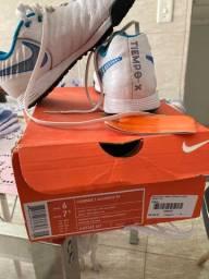 Chuteira Nike Tiempo Society