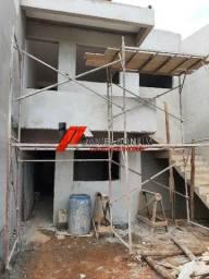 Casas em construção no bairro Vila Bretas por apenas 220 mil e 230 mil