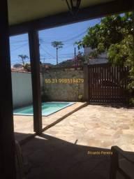 Casa com piscina pequena para temporada