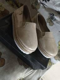 Título do anúncio: Lindo sapato da Carmen Steffens conforto nunca foi usada