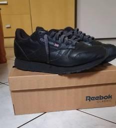 Título do anúncio: tenis reebok classic leather