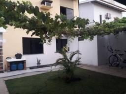 Casa 3 suítes em Itapuã