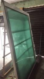 Título do anúncio: Porta de vidro com alumínio branco