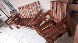 Título do anúncio: Jogo de sofá de madeira com acabamento Rústico