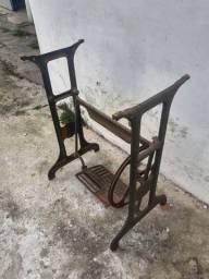 Antigo pé de máquina