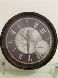 Título do anúncio: Relógio de parede vintage