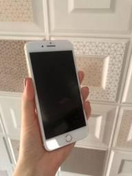 Título do anúncio: iPhone 8 Plus 64 GB gold usado em estado de novo
