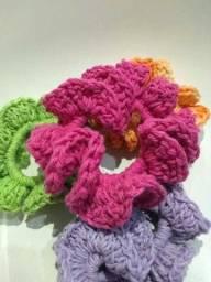 Scrunchies várias cores e modelos em crochê