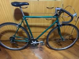 Bicicleta Caloi 10, para quem gosta da nostalgia dos anos 80, aproveite essa oportunidade.
