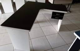 Título do anúncio: black and white nova mesa preta