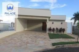 Casa nova com 3 suítes e área de lazer em condomínio fechado