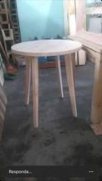 Mesa madeira de pinus