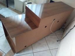 Vende se as  três peças painel mesa rack e mesa de centro