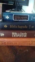Título do anúncio: 4 bíblias por 50,00