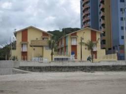 Casa de 3 dormitórios em condomínio fechado de frente ao mar
