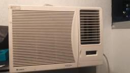 Ar condicionado janela com controle
