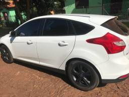 Focus Hatch manual branco 2015 - 2015