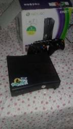 Xbox 360 desbloquedo Com 2 controle e Kinect