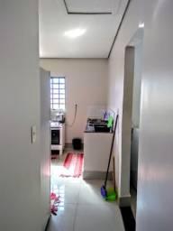 Sobrado locação 03 suites 1.350 reais