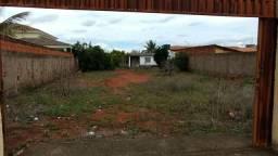 Casa simples em lote de 800 metros quadrados em Vicente Pires.