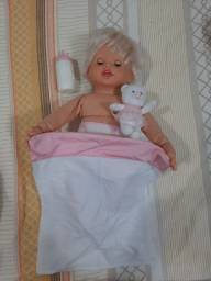 Boneca little mommy abraços e carinho