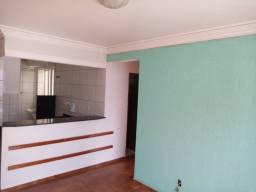 Apartamento 2 quartos, montado em armários, prox o Carrefour da av t-9