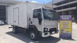 Ford Cargo 816s Com baú piso de ferro ano 2015