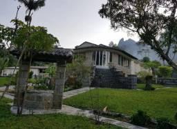 Casa grande e reservada
