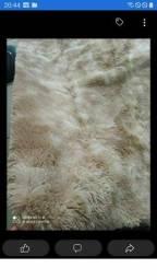 Lindos tapetes peludos disponíveis