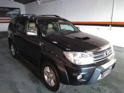 Hilux sw4 srv 4x4 3.0 turbo / toyota / diesel / 4 portas / automático / 2011 / 7 lugares