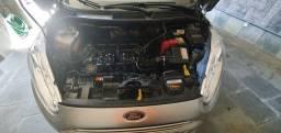 Ford new Fiesta 2014 SE 1.5 completo 27100KM rodados!!Único dono!