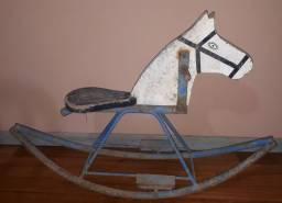 Cavalinho de balanço brinquedo antigo raridade