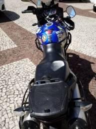 Moto Suzuki Strom 1000