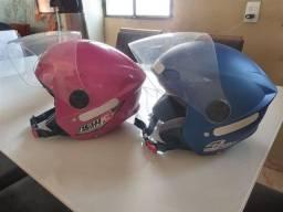 Título do anúncio: Dois capacetes não tem nem um mês de uso