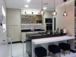 Casa para venda tem 250 metros quadrados com 4 quartos em Lagoa - Macaé - RJ