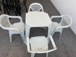 Título do anúncio: Tenho jogo novos de mesa e cadeira pra revenda atacado