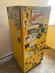 Título do anúncio: Vendo geladeira vintage
