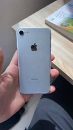 Título do anúncio: Vendo IPhone 7 32gb Funcionando