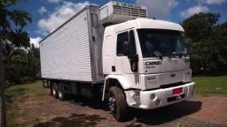 Cargo  2422 gabinado , 2005, 6x2 , c/ar cond, c/ bau refrigerado thermoking.