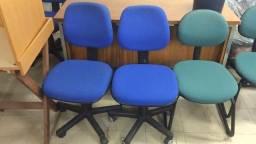 Cadeira Rodízios Ricco Azul