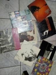 Vendo 8 discos do U2 semi novos