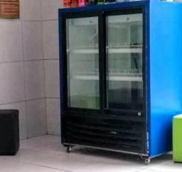 Expositor de refrigerantes e cervejas