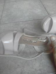Sapato de salto . *