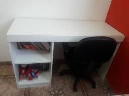 Escrivaninha e cadeira escritório