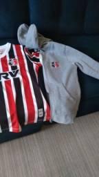 Camisa e casaco do santa cruz