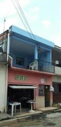 Casa de dois pisos para duas famílias