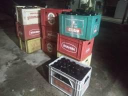 Caixa e cascos de litrão e 600