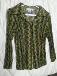 Camisa plissada da marca Fred David - tamanho L