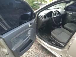 Vendo ou Troco Fiesta sedan 1.0 completo - 2005