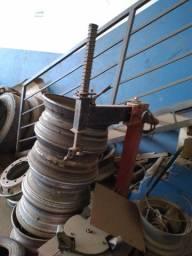 Máquina de desmontar pneus
